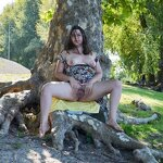 plump: Chubby girl nude in the park