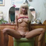 Debauched wife Ksenia in a candid photo session, pic 6