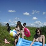 Bachelorette party naked in nature, pic 1