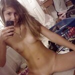 Girls take selfies, pic 8