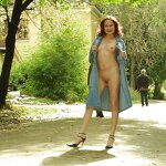 Naked Anya in the gateway, pic 24