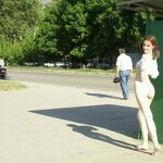 Naked girl at the bus stop, pic 1