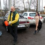 Naked girl in the parking, pic 2