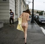 Naked Irena entertains passers, pic 36