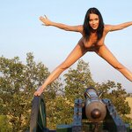Naked beauty saddled the cannon, pic 7