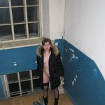 Nudity and blowjob in the stairwell, pic 2