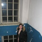 Nudity and blowjob in the stairwell, pic 4