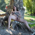 Chubby girl nude in the park, pic 7