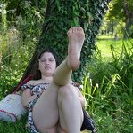 Chubby girl nude in the park, pic 16